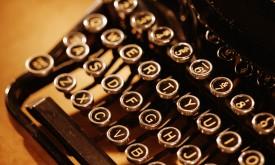 vintage_typewriter-1024x1024